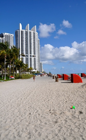 Acqualina Resort Beach